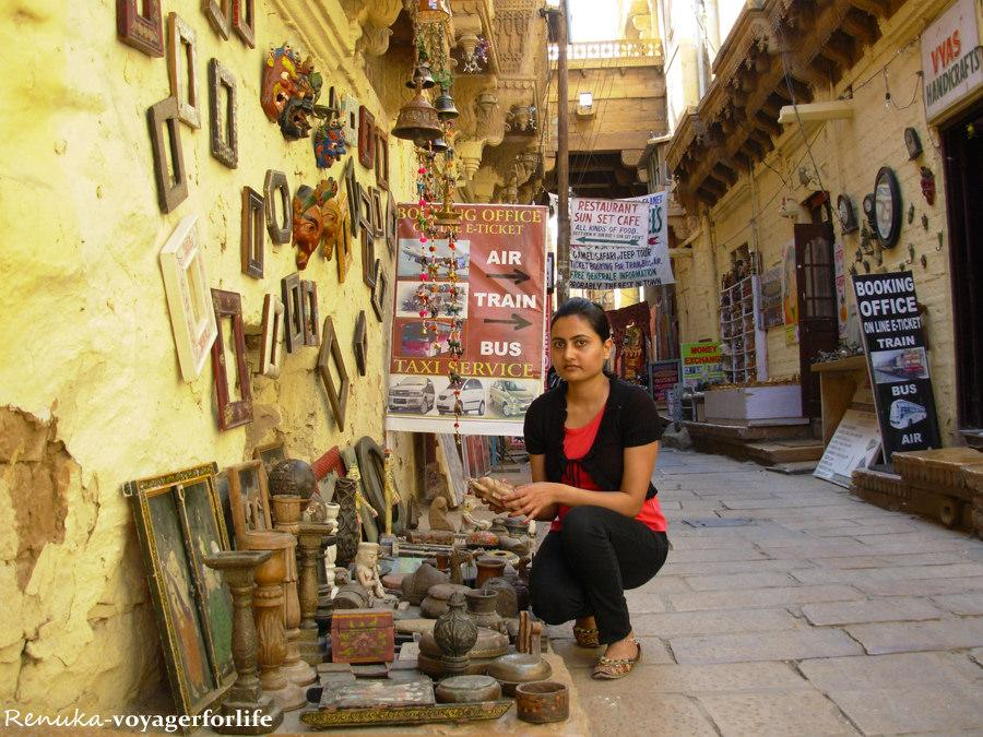 How To Travel In India - SoloTravel Tips from female traveler @renns20