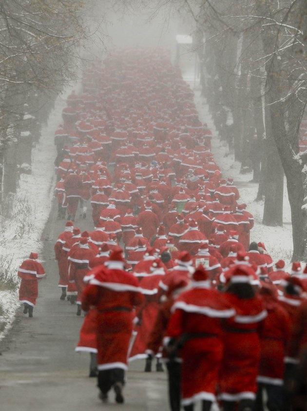 Run, Santa, Run. http://t.co/ilthsApc5r