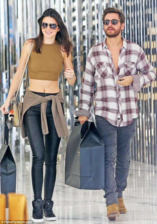 Even kendall jenner and lord disick have last-minute christmas ...