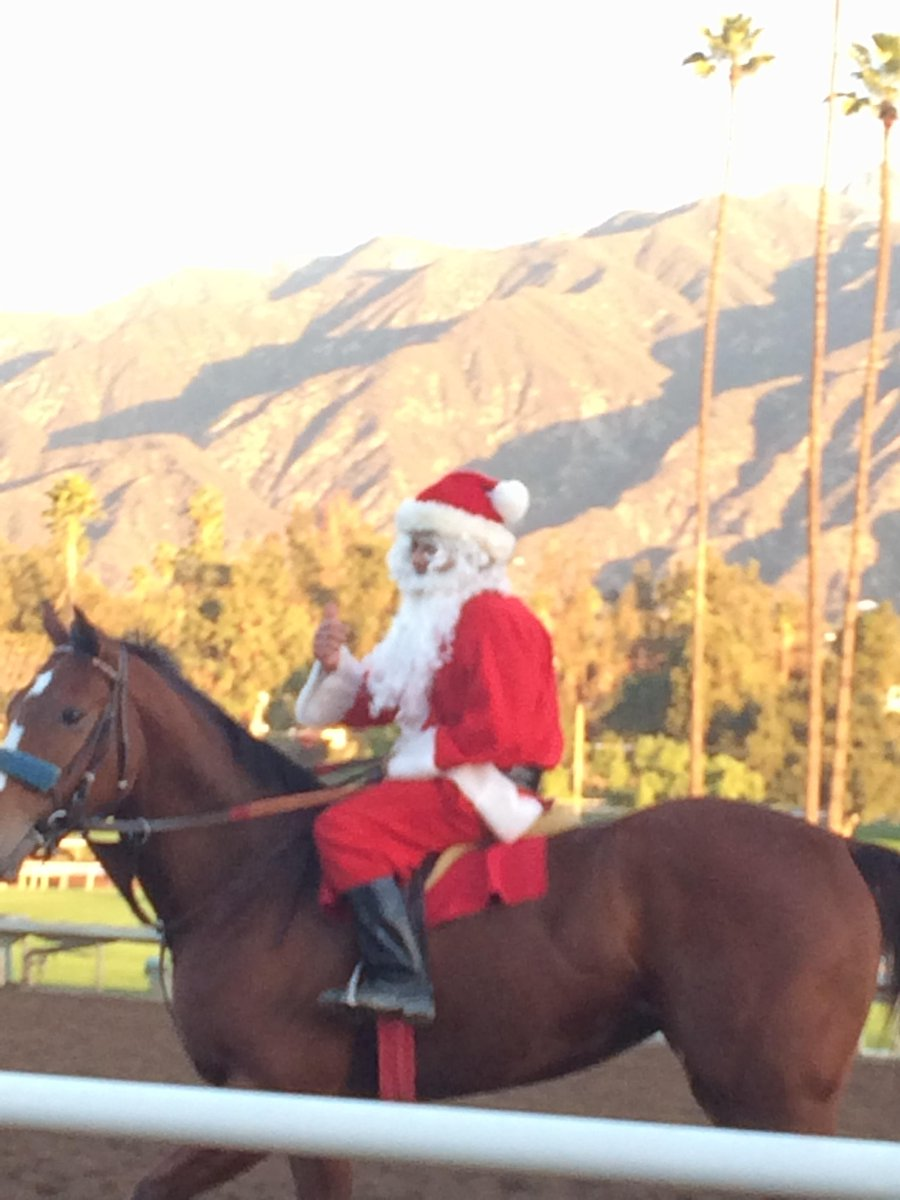 Look who made it out to @santaanitapark this morning http://t.co/wVu6XJaYs9