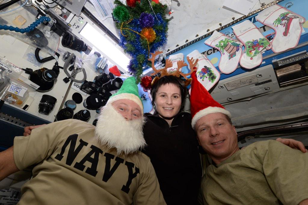 """""""Merry Christmas from the International Space Station!"""" #AstroButch http://t.co/NV8VgiEHq7"""