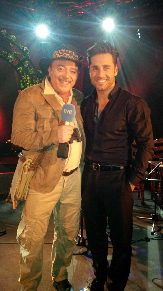 En un ratito en TVE1.Especial Navidad con @David_Busta @atrevetedial @Cadena_Dial código Show especial.Feliz Navidad http://t.co/dWW3V9TCVo