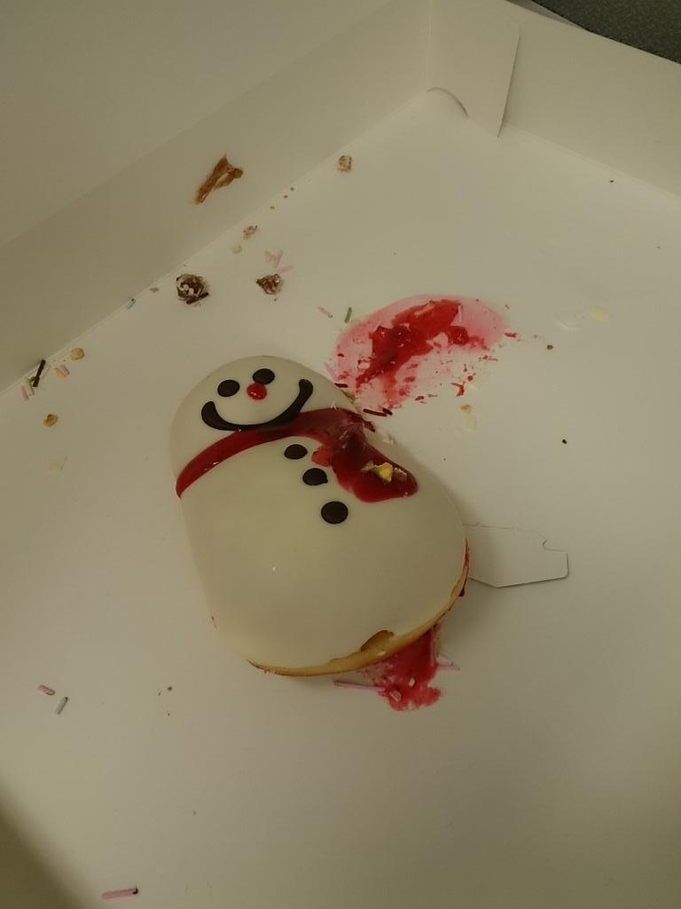 なんなんだこのシチュエーションは。雪だるま殺人事件か http://t.co/qO9XLapw6b