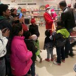 RT @pakwakankar: Christmas cheer at our stores! Don't miss little santa..@MomandMeStore @anandmahindra @Prakashukla http://t.co/FmTes5kLSh