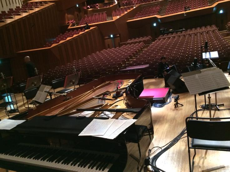 そういえばテンパりまくりだったのでアップ忘れてましたが、先日初めて素晴らしいアーティストKOKIAさんのオーケストラコンサートにピアノで参加しました!とても貴重な体験させてもらいました!とてもキンチョーしてましたが、、汗 http://t.co/ny7nIihqwN