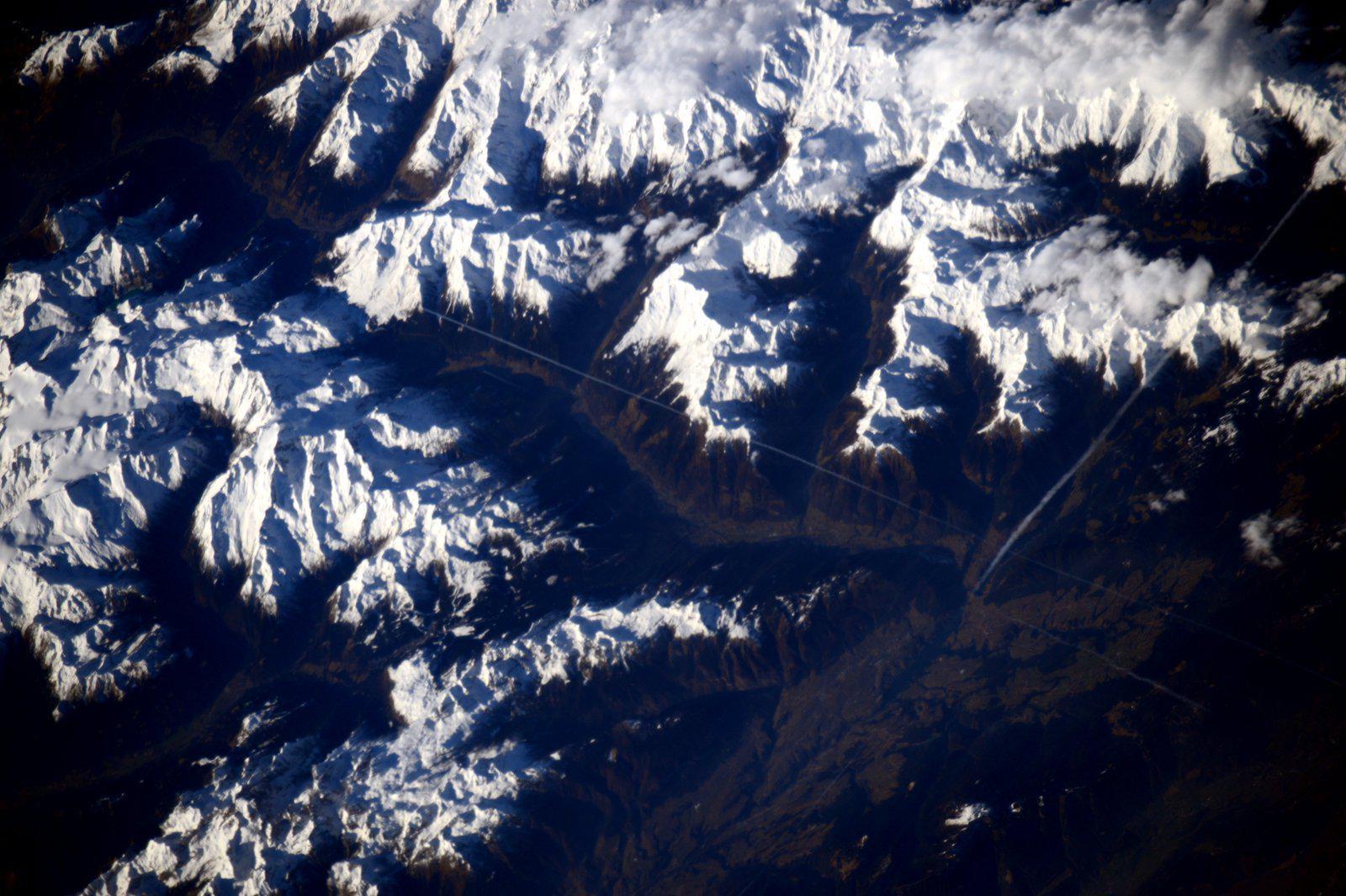 On #Christmas day: the Alpine valley where I grew up. Il giorno di #Natale, la valle alpina dove sono cresciuta. http://t.co/o1rNL9B191