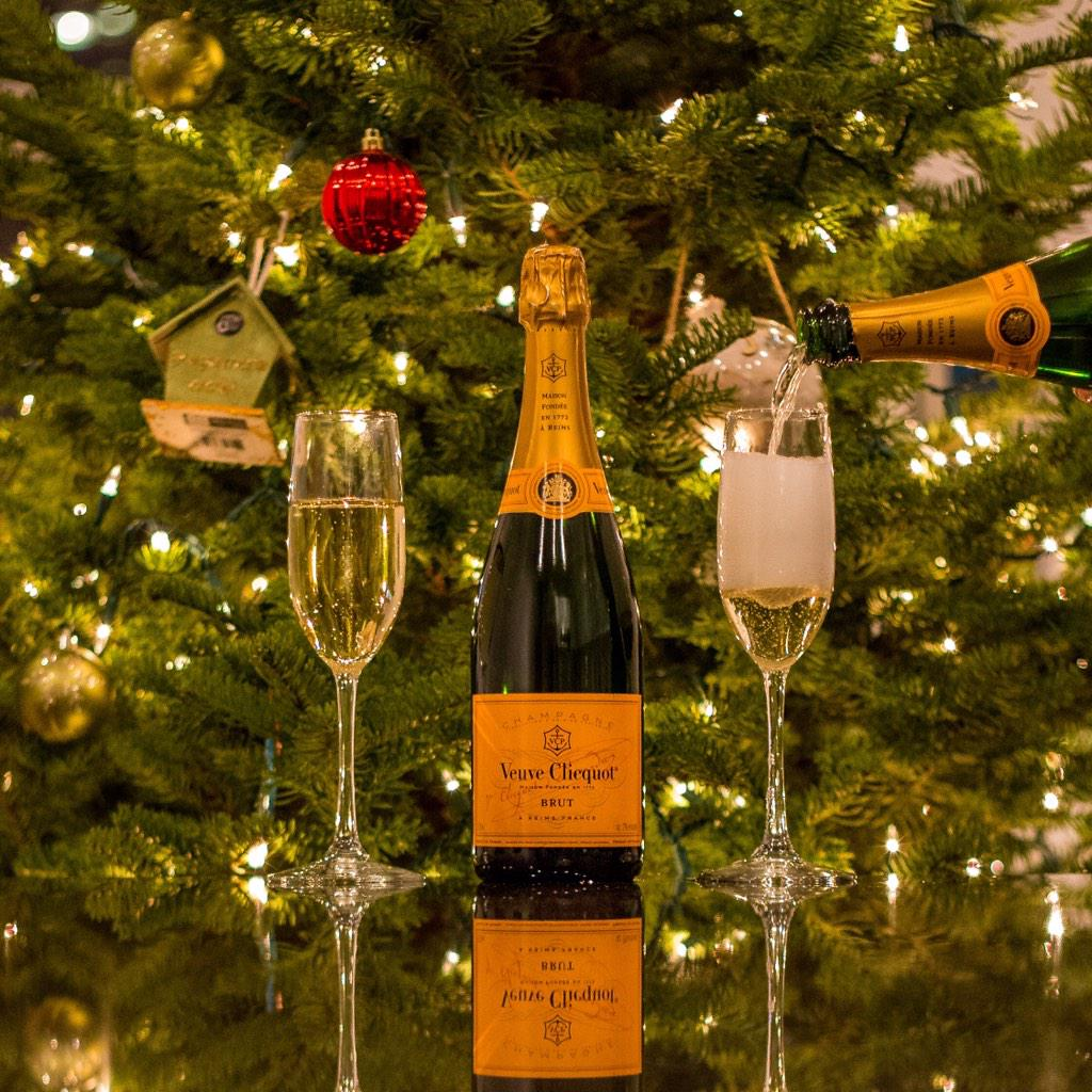 May your days be merry and bright. #CelebrateClicquot http://t.co/rvb578LwsN