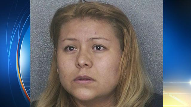 Florida woman caught shoplifting at Macy's pulls poop from pants, smears it in worker's face http://t.co/QCRnFZBtpV http://t.co/L5dOOG4qYW