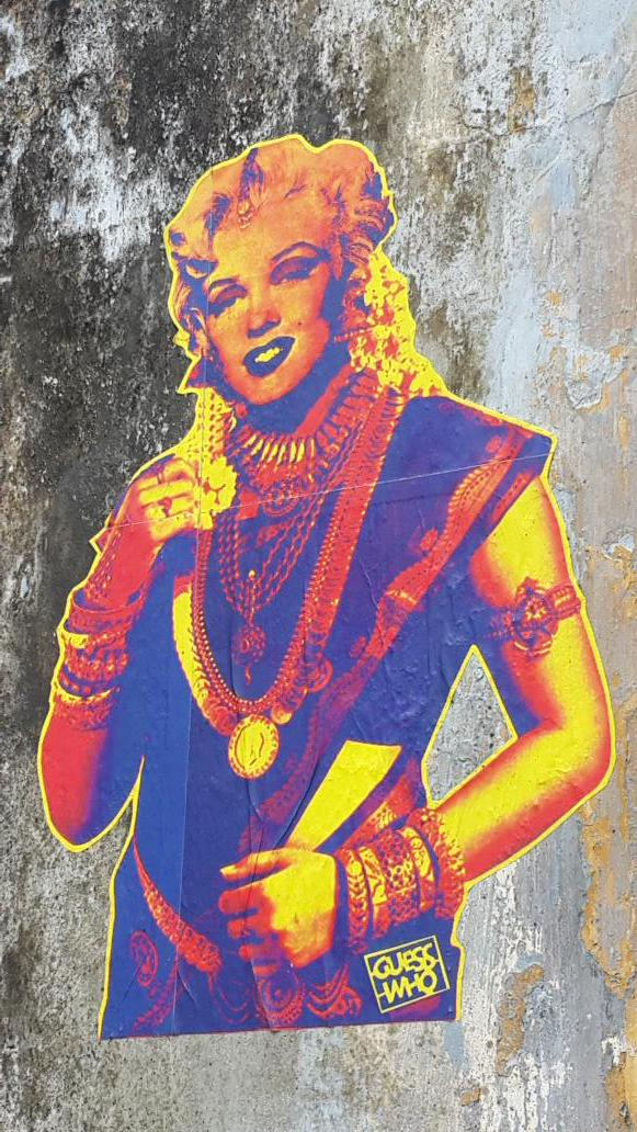 The colour of glamour on the streets of Fort  Kochi. http://t.co/hXoa7Wo1TK