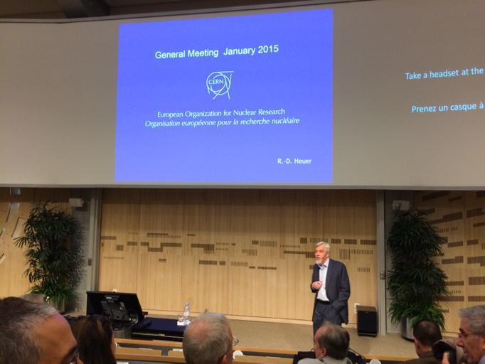 #CERN DH Rolf-Dieter Heuer starts annual address with minute of silence in support of freedom of expression. http://t.co/1zAzUlpa6N
