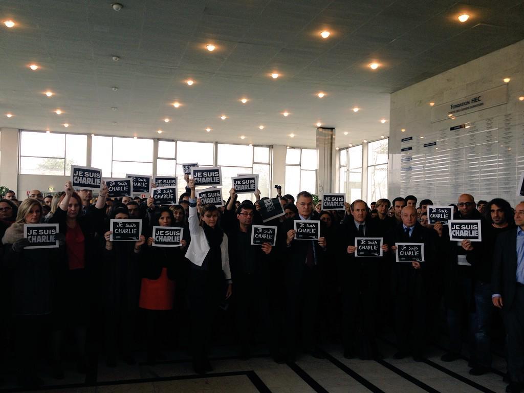 #JeSuisCharlie Hommage d'HEC aux victimes, à leur travail, à leurs familles et à #CharlieHebdo http://t.co/8gJP1aiDbv