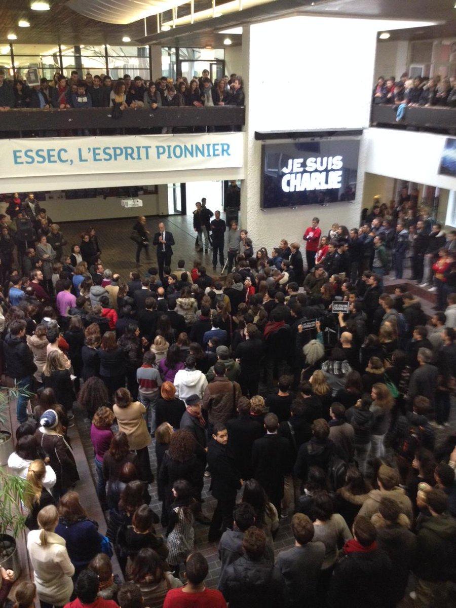 Minute de recueillement sur le campus de l'ESSEC à Cergy #JeSuisCharlie http://t.co/ekdrcR5dBx