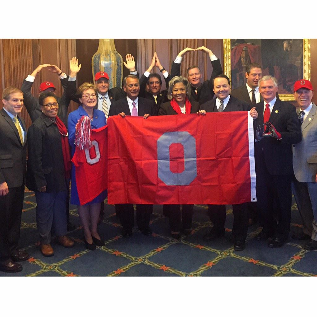 Good luck to @OhioState in Monday's #CFBChampionship! #OSU #GoBucks @OhioStAthletics http://t.co/Tbentdpzxm