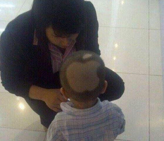 jajaja RT @soyanimal: —Oye, ¿como se llama tu hijo?  —iPhonso. http://t.co/GIIDXInNRP