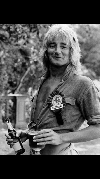 Happy Birthday Rod Stewart! you are the Man!