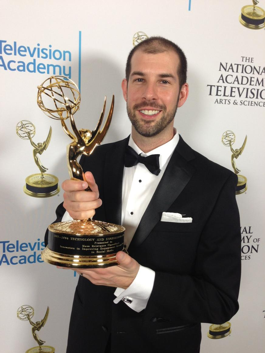 I came to Vegas with my hot, dark-haired wife, and I'm leaving with this golden beauty. #emmy http://t.co/UtUn06XVSO