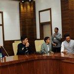 Team MAMI -Kiran Rao, @karanjohar @anupamachopra @VikramMotwane Sid Roy kapur with @Dev_Fadnavis ji. http://t.co/qb5mfGJXx0