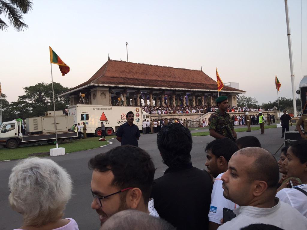 At swearing in of Maithripala Sirisena. Amazing moment! #PresPollSL #lka #srilanka http://t.co/yOwgMIsjQJ