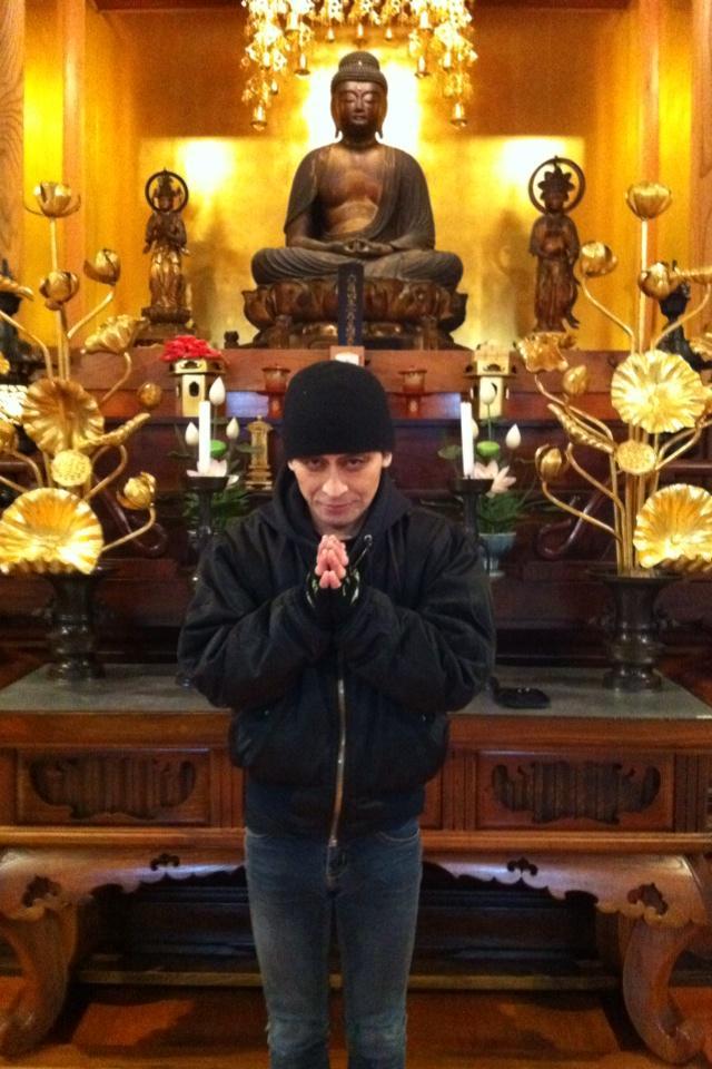 お知らせ  明日のNHKETV(23:00〜24:30)の番組、戦後史証言プロジェクト第5回「吉本隆明」特集で、僕のインタビューと歌も流れます。 吉本さんのご自宅で収録しました。  http://t.co/KOtV4sEmI7 http://t.co/3iv9vSFTW8