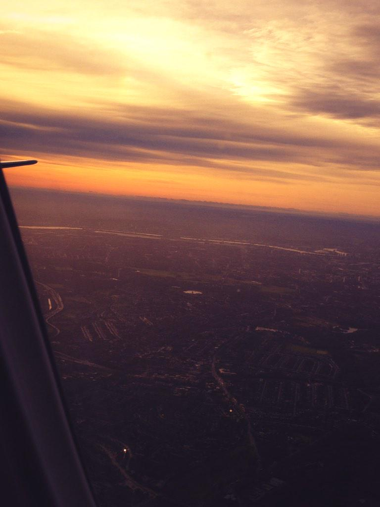 Taking off this morning - can't beat seeing #london from the air @LondonCityAir @British_Airways http://t.co/p43QH6F5dd