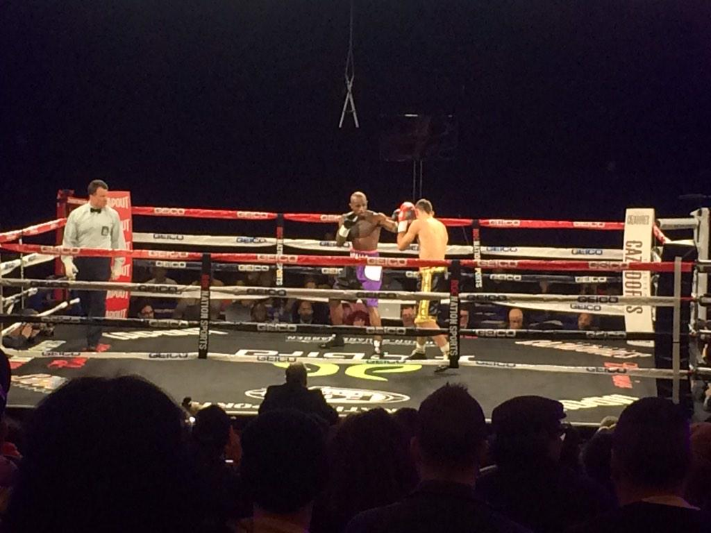 Throne boxing #rns #throneboxing http://t.co/8GoT3j4RjT