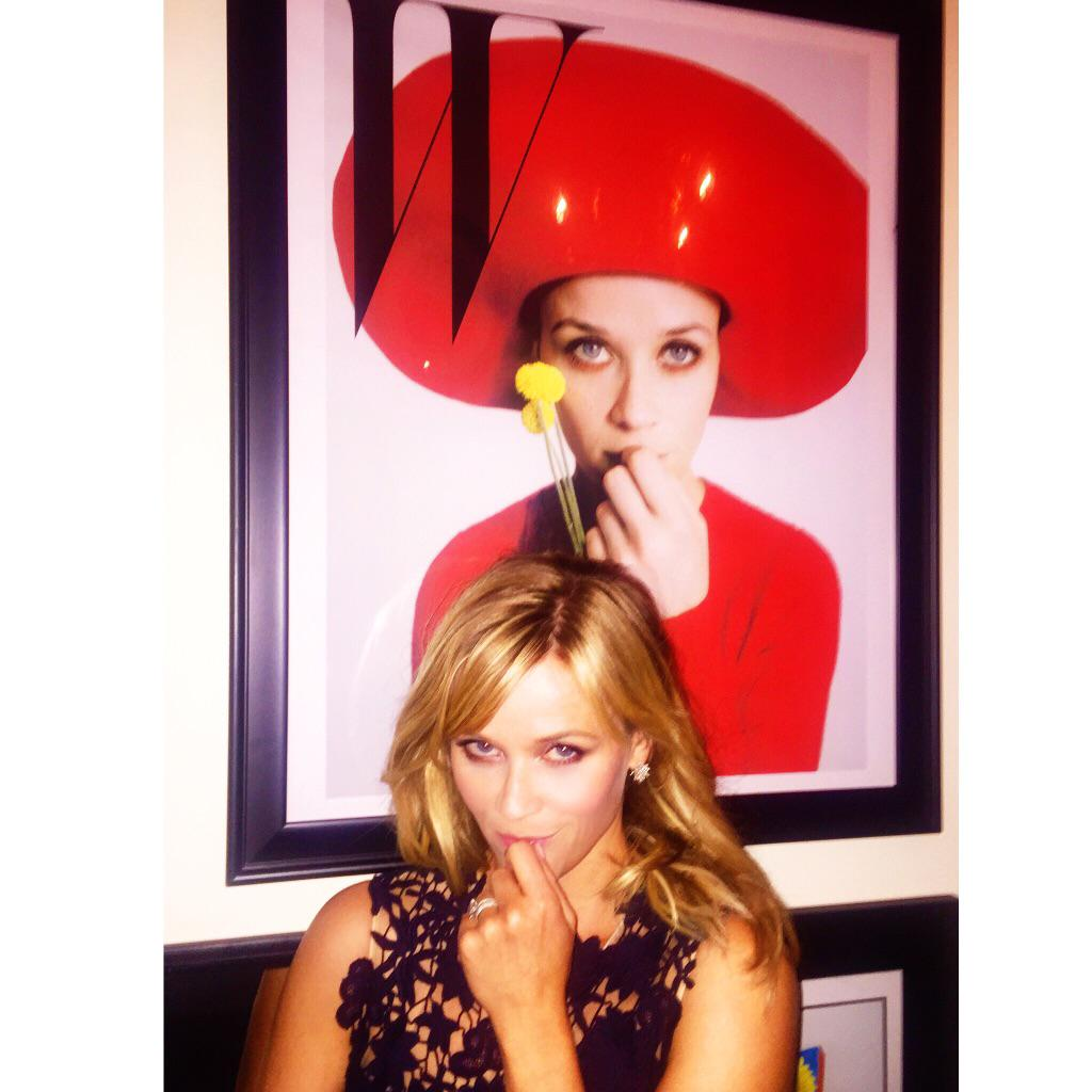 RT @RWitherspoon: Life imitating art last night @wmag party (I ❤️the photographer #TimWalker) http://t.co/d6L6Bu3d0G
