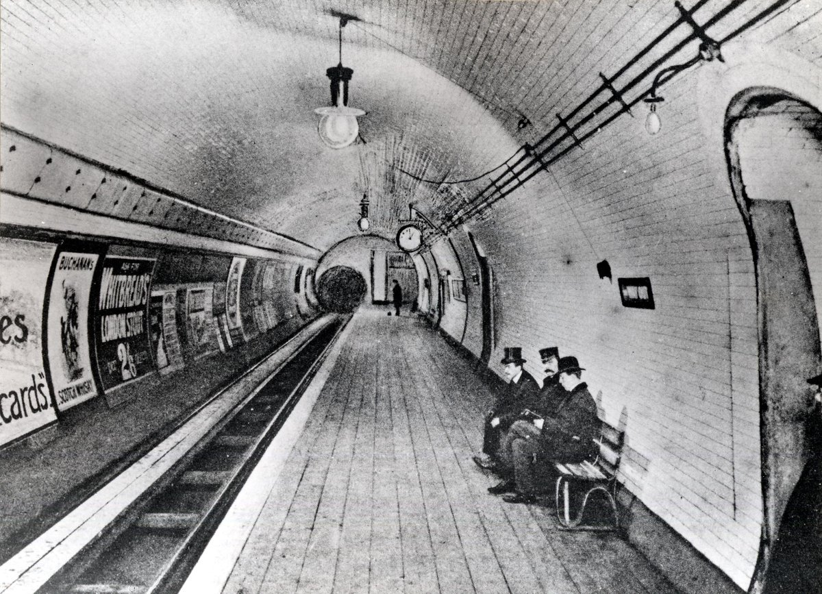 The London Underground opened #onthisday in 1863. Here's the Museum's own tube stop in 1903 @ltmuseum http://t.co/tJCXbukQvS