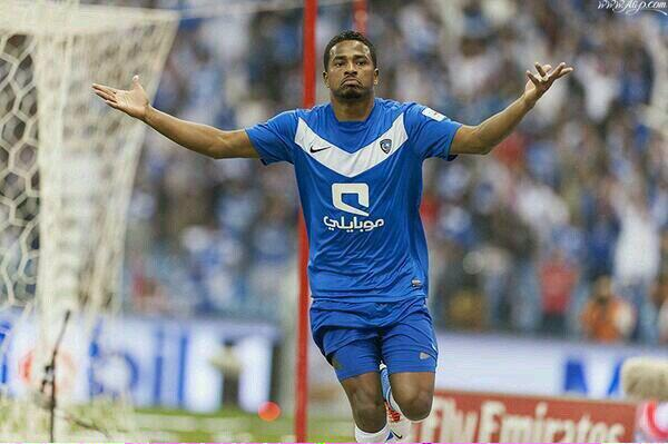 وليد_الفراج# (@waleedalfarraj): مشكلة هذا الرجل لون قميصة .. اجر وعافية يا بوعلي . http://t.co/XEbQPFHv2n