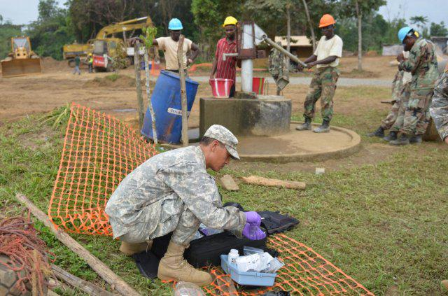 #USArmy #Soldiers, #Liberian #troops build #Ebola treatment unit | http://t.co/53pZU0Bid0 | @JFCUA, #EbolaResponse http://t.co/kNMbisU8J9