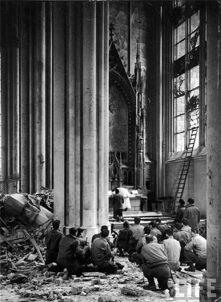 American soldiers attend Mass in March 1945 in the bombed cathedral of Cologne (via LIFE) http://t.co/DPIJueEThF