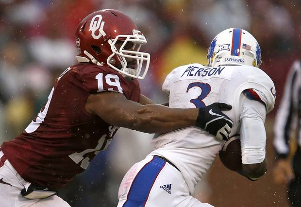 """Eric Striker says he's coming back to OU. """"I don't want to go out like this"""": http://t.co/IsFhDbKLPd #sooners http://t.co/7kqfcsexTA"""