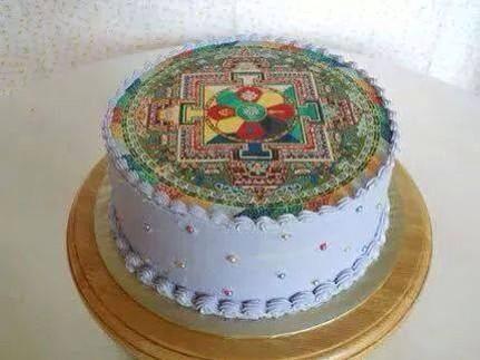 曼荼羅ケーキ http://t.co/UZb20FmIGG