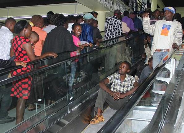 Nyeri gets its first escalator as Naivas comes to town. http://t.co/5KH1qKy2eY http://t.co/XizYUUJuoC