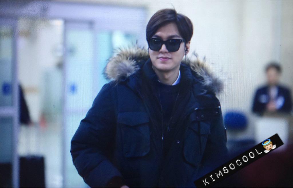 Finally! RT@iamkimsocool: (❤️) 141230 Gimpo Airport : #LeeMinhHo #이민호   춥다 춥디 ㅠㅠㅠ 이쁘닷 -!!!  @ActorLeeMinHo http://t.co/Hu4YHj0ZFV