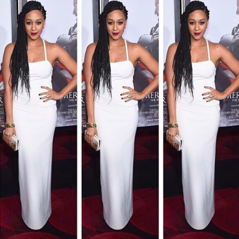 The ever so charming @TiaMowry elegantly owns the red carpet in a '90s-inspired winter white #GretaConstantine dress http://t.co/MSSiY0Lcju