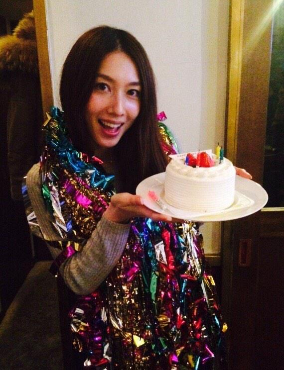 あけましておめでとうございます(^^)  そして。。。  32歳になりました♡ http://t.co/nFw3Tq23SK