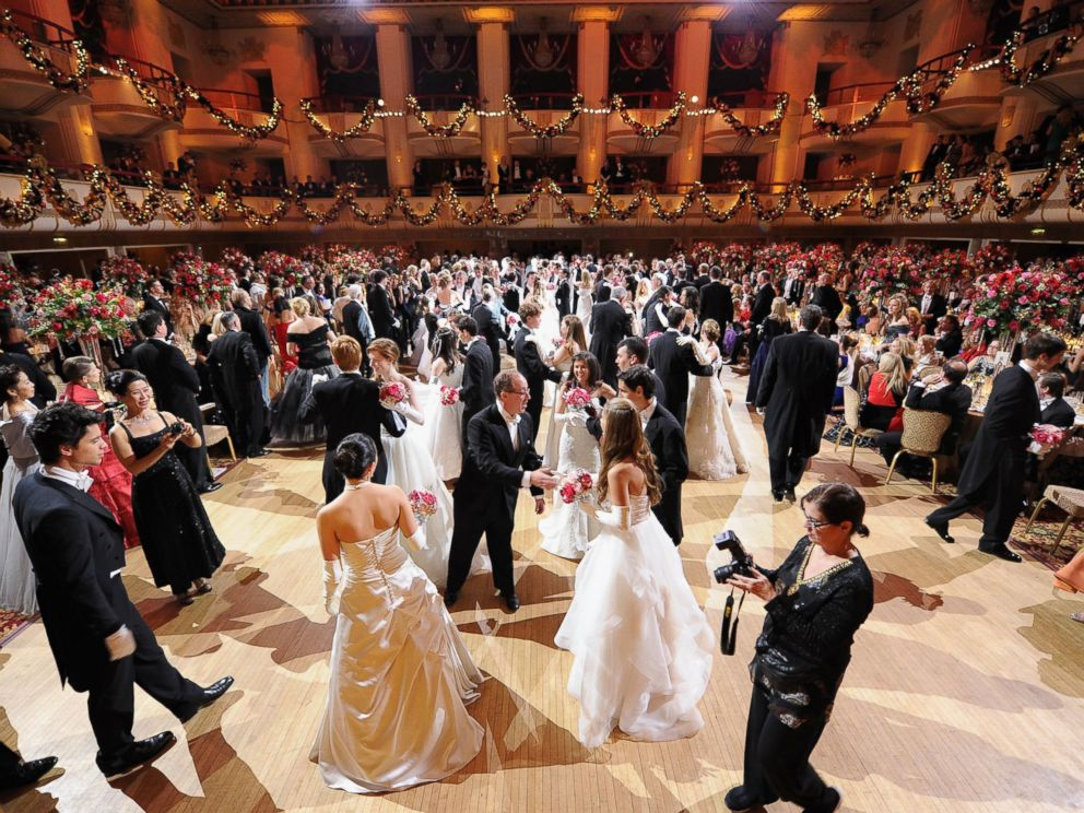 We found some wonderful pictures of the Int'l Debutante Ball hosted here Mon. night on @ABC! http://t.co/EaTb5zDSvY http://t.co/gHXmMp0oni