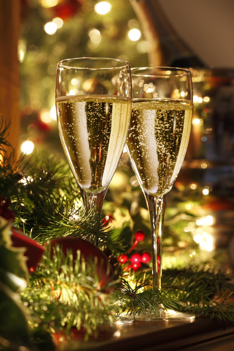Wishing everyone a happy, healthy, and prosperous New Year - see you in 2015! http://t.co/k2Y8prnbK4