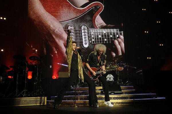 Is @adamlambert the new Freddie Mercury? Did a pretty good job last night http://t.co/vERiZ32XBH http://t.co/hkB9kp3pQU