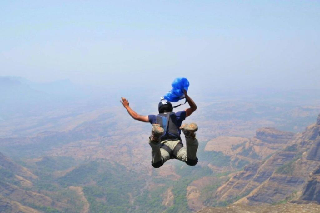 13 death defying Indian adventures of 2014. http://t.co/lmW38vNgab http://t.co/nhioULG8RX