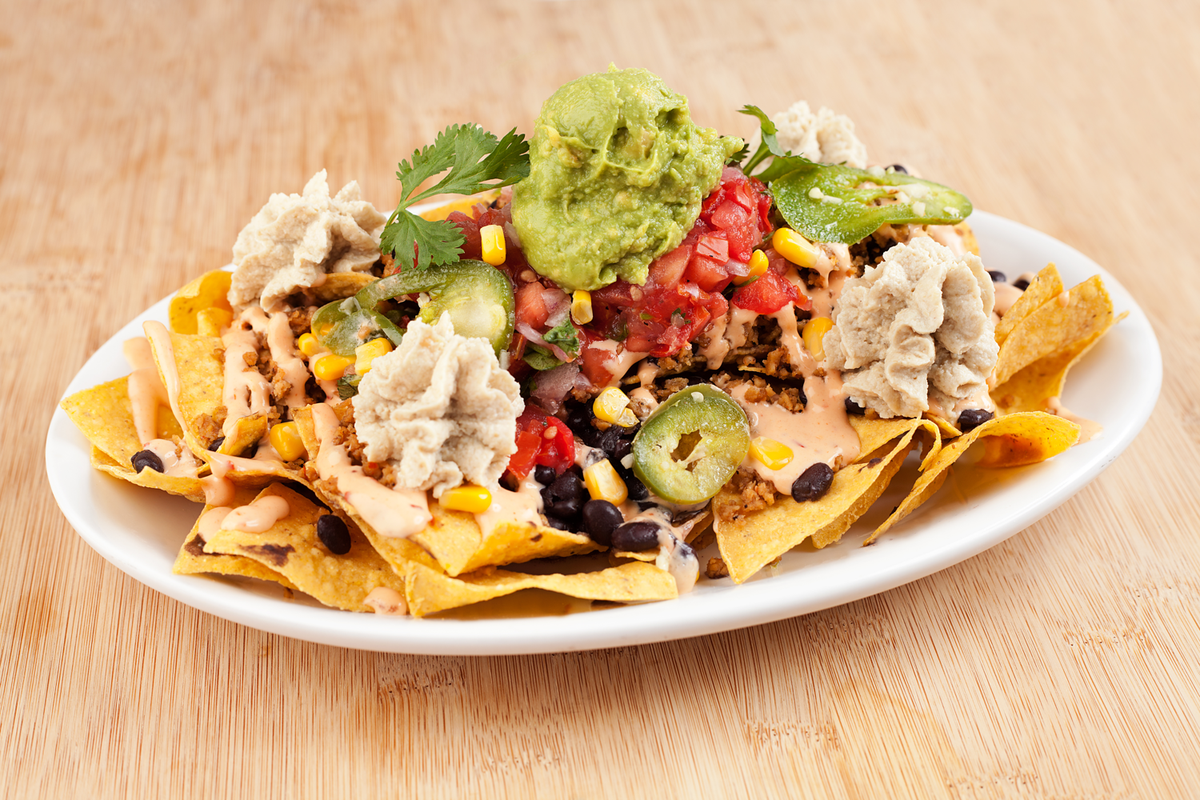 Mmmm, Native Nachos. Follow and RT to win! #giveaway #vegan #delicious http://t.co/Lsb2a4QbcR