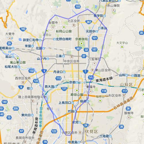 ちなみに東京の山手線の範囲を京都に重ねると添付画像のような感じになります。池袋が金閣寺だとすると、品川はなんと伏見です。結構離れています。 http://t.co/ucSYW7tN0q