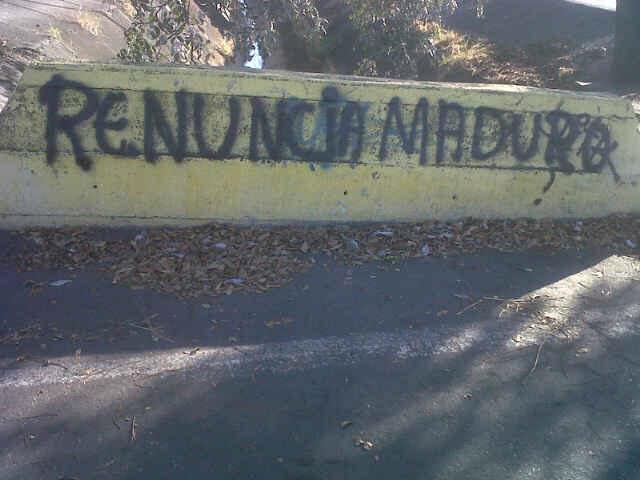 """@MariaCorinaYA: En Portuguesa la gente esta clara..... http://t.co/WRnioWxto9 #MaduroQuedateEnChina #MaduroRenunciaYa"