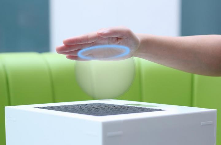 超音波によって、3D形状を触れて、見れて、感じれるデバイス発表。 http://t.co/sd9Xiq9eto 日本ではアレ向けにアレすると爆売れの予感。 http://t.co/fAYDvOZ7ua