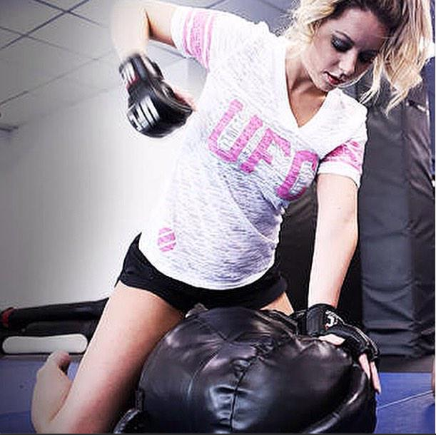 First Monday of the #NewYear here at @UFCGym, time to step it up and attack those #2015 goals. #ThisIsYourTime http://t.co/k4gAoRNvJ1