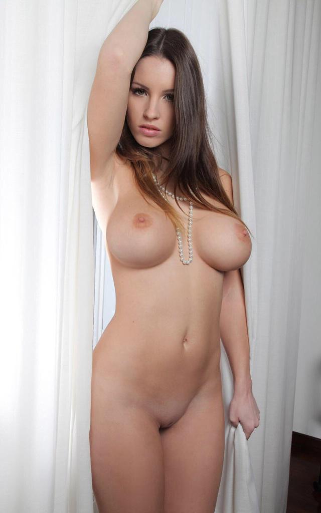 Самая голая грудь фото 9591 фотография