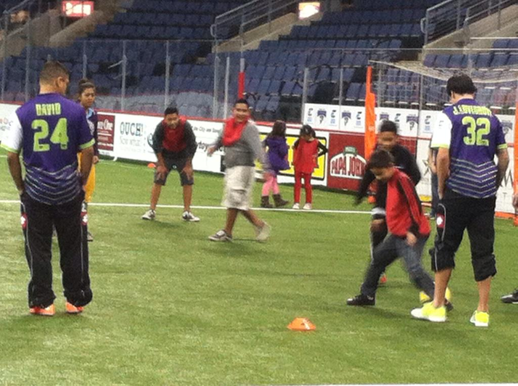 Goaaaaal! @GoSidekicks players show @BGCDallas kids science of shooting a soccer ball at our #STEMinSports event. http://t.co/nWyWehzinf