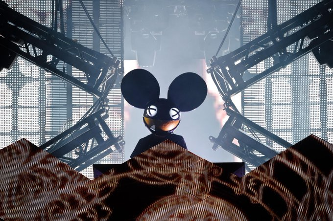Happy 34th Bday to producer He is nominated for the best electronic album in 2015 for