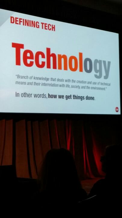 Brian Cooley from cNET  is always an entertaining way to get CES rolling. http://t.co/RdLftMJKBH