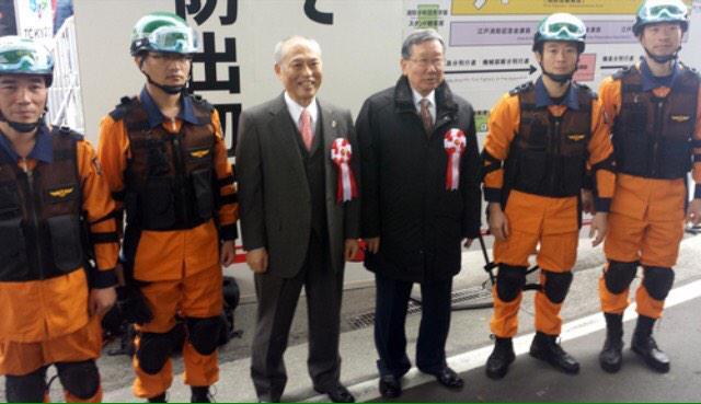 なんで呼ぶの? 意味がわからないw  RT @kororikyun: 東京消防庁の出初式にソウル消防署の幹部と隊員を招いてご満悦の舛添都知事 http://t.co/0QswYgnCZO